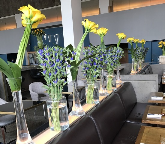 restaurant weekly floral displays